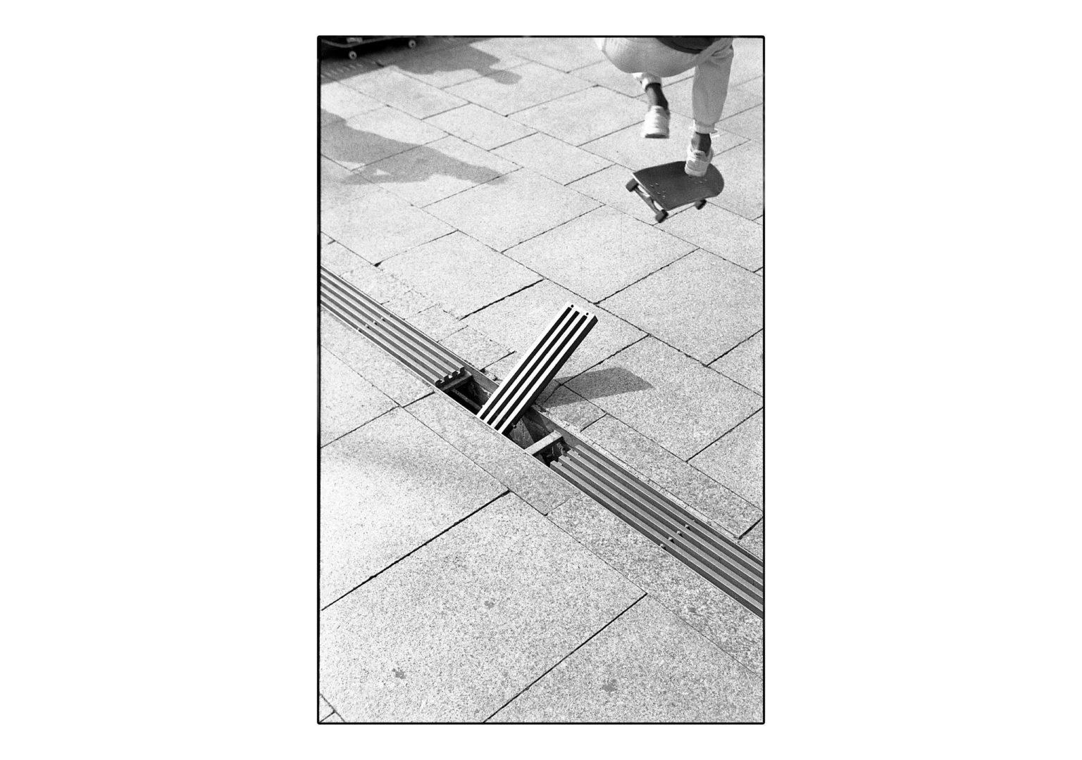 skateboarding_sk8bars_ aaron sio